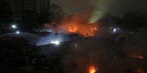 Bangladeş'teki Yangın 50 Bin Kişiyi Evsiz Bıraktı