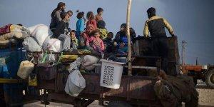 Rusya ve Esed Rejimi Saldırılarından Kaçan 1 Milyona Yakın Sivil Türkiye Sınırında