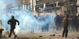 Cammu Keşmir'de Güvenlik Güçleri ve Direnişçiler Arasında Çatışma