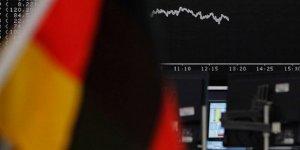 Avrupa'nın En Güçlü Ekonomisi Daralıyor