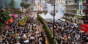 Hong Kong'da Protestocuların Liderlerine Gözaltı