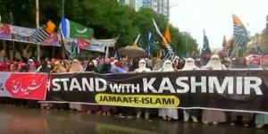Pakistanlılar Cammu-Keşmir'deki Sert Uygulamaları Protesto Etti