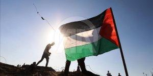 Siyonist İşgalciler Gazze'de İki Filistinliyi Şehit Etti