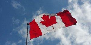 Montreal'de İki Müslüman Öğretmene Başörtüsünü Çıkarma Dayatması