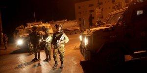 İşgal Güçleri Gece Baskınlarında 11 Filistinliyi Gözaltına Aldı