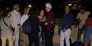 Cumhuriyet Gazetesinin 5 Eski Yazarı Tahliye Edildi