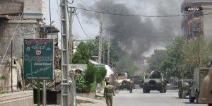 Afganistan'da Bomba Yüklü Araçla Saldırı: 15 Ölü, 66 Yaralı