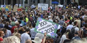Avustralya'da Binlerce Kişi İklim İçin Yürüdü