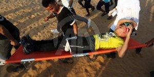İşgal Güçleri Gazze Sınırında 74 Filistinliyi Yaraladı