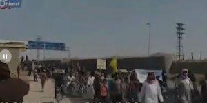 Deyrizor'da YPG'nin Talimatıyla Siviller Esed ve İran Milislerinin Kontrol Noktalarını Bastı!
