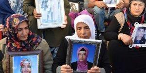 45 Aile HDP Önünde Eyleme Devam Ediyor