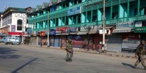 Cammu Keşmir'de Kısıtlamalar Devam Ediyor