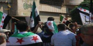 Deyrizor ve Dera'da İdlib'le Dayanışma Eylemleri