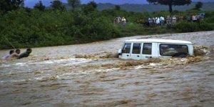 Muson Yağmurlarında Hayatını Kaybedenlerin Sayısı 140'a Yükseldi