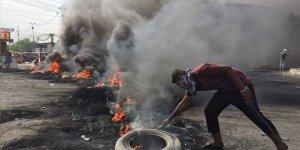 Irak'taki Protestolar ABD ile İran Arasında Sıkışmış Hükümeti Sarsıyor!
