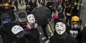 Hong Kong'da Göstericilere Maske Yasağı