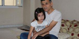 Suriyeli Baba Hasta Kızı İçin Yardım Bekliyor