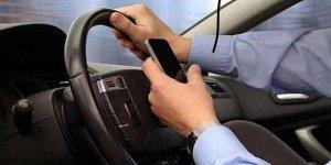 'İki Şoförden Biri Seyir Halindeyken Telefonla Temas Halinde'