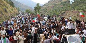 Pakistan'da Hindistan Sınırına Yürümek İsteyen Protestocular Güvenlik Gerekçesiyle Durduruldu