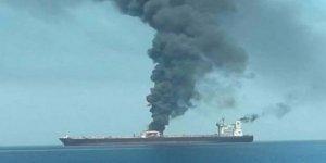 Suudi Arabistan Açıklarında İran'a Ait Petrol Tankerinde Patlama