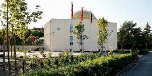 PKK Yandaşları Almanya'da Cami ve Lokale Saldırdı