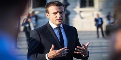 Macron Eylemcilerden Zor Kaçırıldı