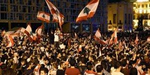 Lübnan'da Göstericiler Protestolara Devam Çağrısı Yapıyor