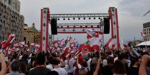 Lübnan'da Başbakanın İstifasına Rağmen Gösteriler Devam Ediyor