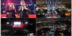 İBB Cumhuriyet Kutlamalarında Şarkıcılara ve Dansçılara Para Saçtı