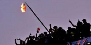 """""""Irak ve Lübnan Gösterileri İran'ın Bölgesel Nüfuzunu Tehdit Ediyor"""""""
