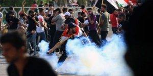 Irak'ta Göstericiler İran'a Açılan Sınır Kapısının Yolunu Kapattı