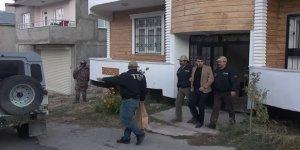 HDP'li İpekyolu Belediye Başkanı ve HDP'li Meclis Üyesi Tutuklandı