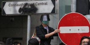 Hong Kong'da Üniversitelerde ve Kent Merkezinde Protestolar Sürüyor
