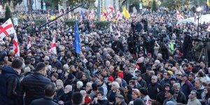 """Gürcistan'da Muhalefetten """"Erken Seçim"""" Çağrısı"""