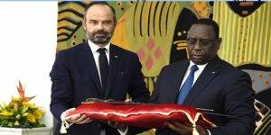 Fransa, Çaldığı Tarihi Kılıcı Senegal'e İade Etti