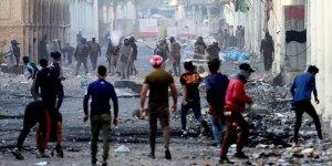 Irak'ta Hükümet de Göstericiler de Direniyor