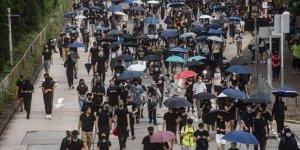 Hong Kong'da Protestocular, Seçim Sonuçlarına Rağmen Tekrar Sokaklarda
