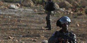 İşgal Askerleri Batı Şeria Sınırında Filistinli İşçilere Ateş Açtı