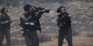 Siyonist İşgal Güçleri Batı Şeria'da 2 Filistinliyi Yaraladı