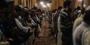 Cammu Keşmir'in En Büyük Camisinde 4,5 Ay Sonra İlk Namaz