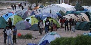Yunanistan'da 648 Kişi Kapasiteli Kampta 7 Bin 600 Kişi Kalıyor