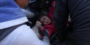 Esed ve Rusya Canilerinin Vurduğu İdlib'de Küçük Kızın Enkazdan Çıkarılma Anı