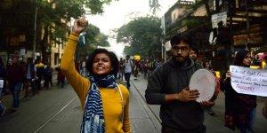 Hindistan'da Protestolar Üniversite Öğrencilerinin Katılımıyla Devam Ediyor