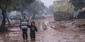 İdlib'denGöç Eden Suriyeliler Zorlu Kış Şartlarında Yaşam Mücadelesi Veriyor