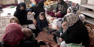 İdlib'dekiCami Bombardımandan Kaçanların 'Sığınağı' Oldu