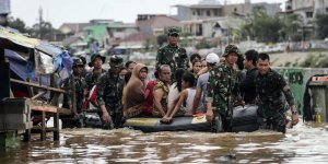 İHH'danEndonezyalı Sel Mağdurlarına Acil Yardım