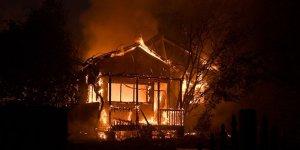 Avustralya'daki Yangınlarda Binlerce Kişi Evlerini Terk Etti