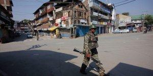 Hindistan Yüksek Mahkemesi: Keşmir'deki Kısıtlamalar Gözden Geçirilsin