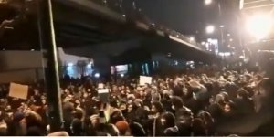 İran'da Halk Hamaney, Devrim Muhafızları ve Rejim Aleyhine Sloganlarla Meydanlara İndi!