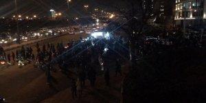 İran'da Rejim Karşıtı Gösteriler Sürüyor